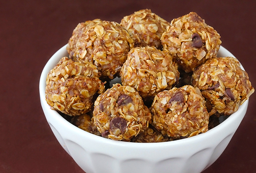 Healthy recipes these delicious little no bake energy bites are the perfect healthy snack forumfinder Images